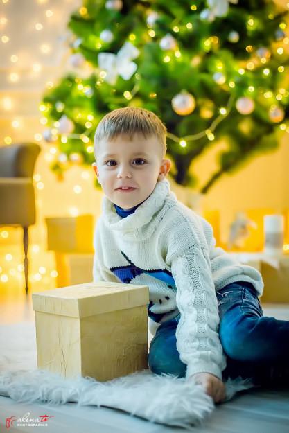 студийная новогодняя фотосессия ребенка