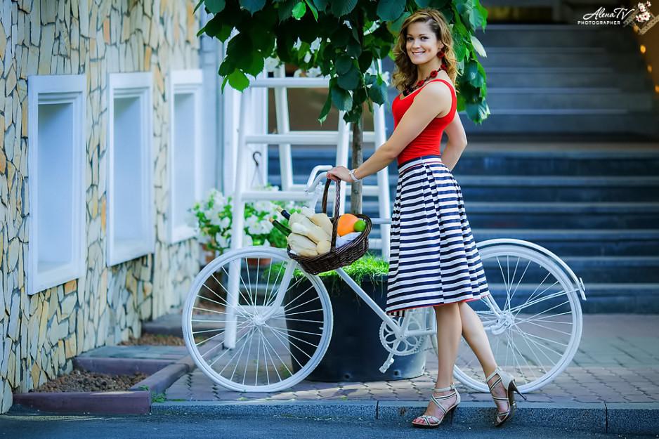 летние фотосессии на природе с велосипедом