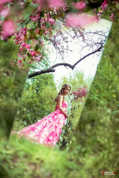 фотосессия в цветущем саду идеи