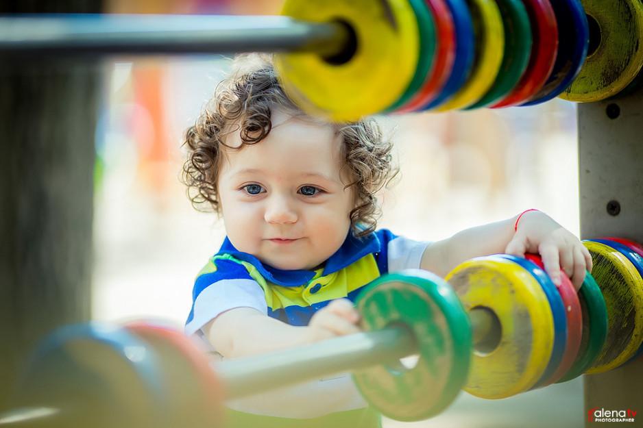 детская фотосессия на детской площадке