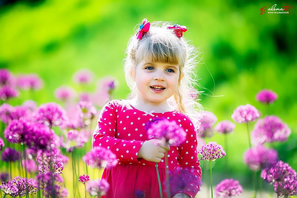 фото девочки в цветах