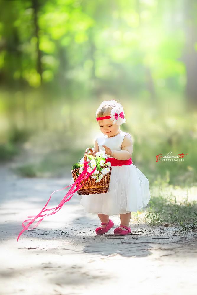 фотосессия девочки с корзинкой