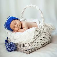 пример фотосессии новорожденных в домашних условиях