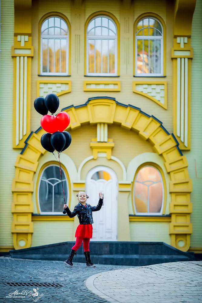 фотосъемка девочки с шарами